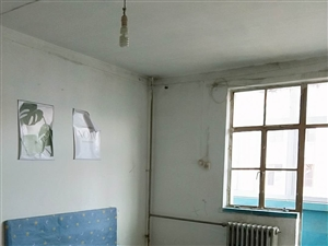航苑小区2室0厅1卫450元/月