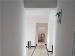 中泰锦城3室2厅2卫1700元/月学区房