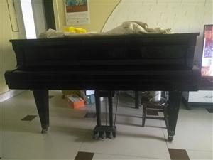 劳伦思三脚钢琴,8成新音质好,便宜卖了
