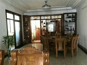 儋州伟业西城国际136平3室2厅精装修105万