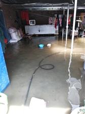 灵璧县向阳乡向阳街食品站……周围建房堵住出水口…无人问津…