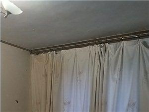 黄金地段3室1厅1卫一厨房仅700元/月