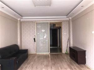 四海馨城多层3楼45平精装带家具家电1000元租