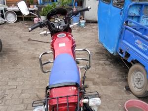 125摩托车  150摩托车 俩台卖一台   都是自己骑的车    18697090910