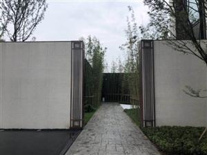 一梯两户质墅质洋房,8层楼高,95平米精致套三,128平米舒适套四,并且有带花园的房子,