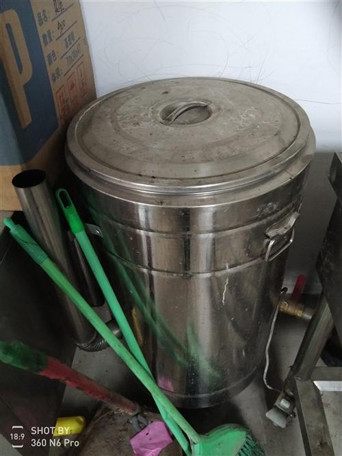 煮面炉,保温车,发光板,蒸包炉,封杯机,等,有需要可随时联系我。