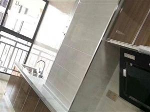 滨江国际城,全新装修全新家电家具从未入住过,四房两