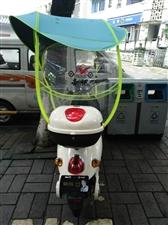 爱玛电动车,7月份买的,跟全新无区别,发票收据全部都有  充电10次不到,很少用车,就上班骑下,现在...