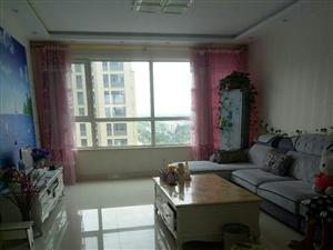 凯泽翡翠城13楼精装3室2厅2卫125万元