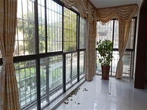 世纪春天二期精装抬高一楼3室2厅2卫110万元