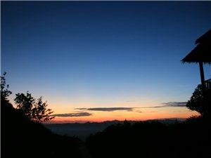云贵山*日出