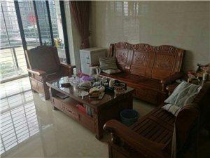 金龙现代广场  精装3房 看溪2800元/月