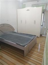 花灯广场2室2厅1卫833元/月