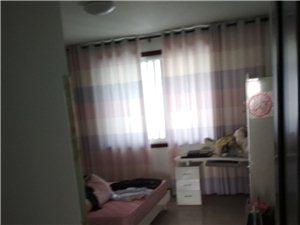 涌鑫花苑,3楼,3室2厅2卫,带车库,1400