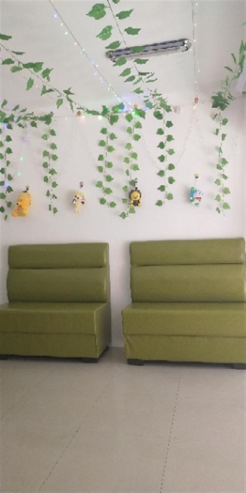 沙发卡凳,四组,合计1000块,十成新