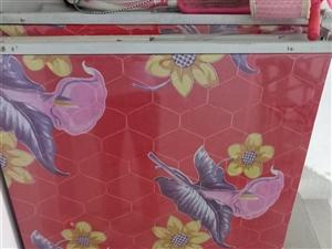 折叠床出售,宽1米,长2米,结实耐用,低价出售每张150元,讲价勿扰!