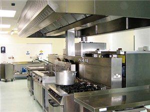 專業定制不繡剛廚房設備免費上門維修