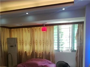 安发花园电梯房122平精装修3室2厅2卫103万元