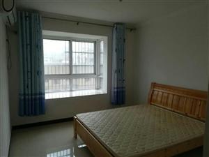 成大・翡翠湾3室2厅1卫1000元/月
