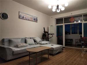 洪柳花园一期4室2厅2卫2600元/月