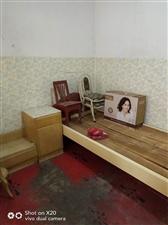 正街1室1厅1卫583元/月