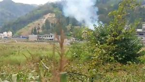 突发!就在刚刚,洗白一村民家中突发大火,具体着火原因不详,但是一个家都没了