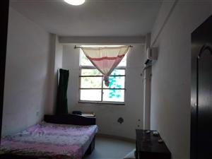 花果苑3室2厅2卫800元/月
