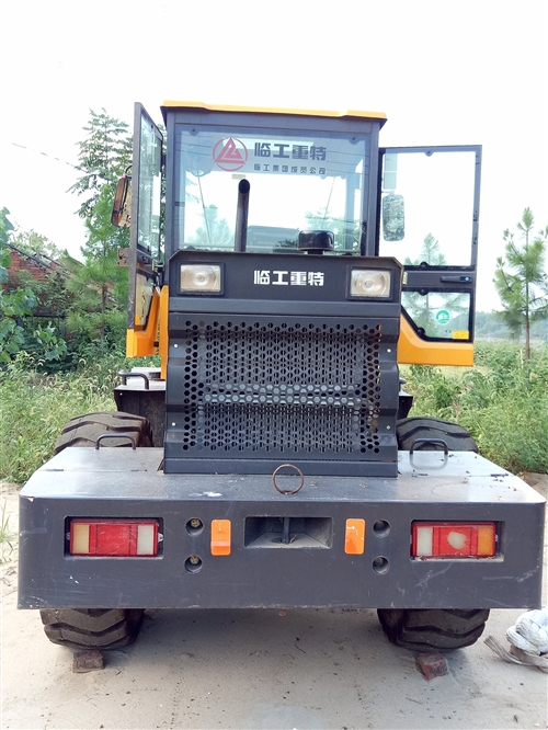 铲车,型号939L。工作141个小时