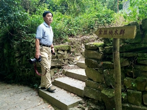 我和品味哥再次探访百福司镇舍米湖村。(手机照)