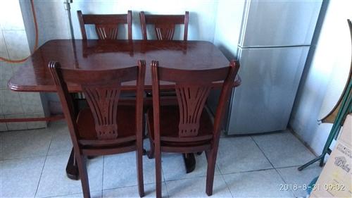纯实木桌椅