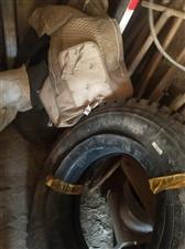 本人有两条  风神900钢丝轮胎新的,由于车买了    赔钱买了   要的联系17690533605