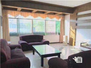 龙翔广场4室 2厅 2卫2900元/月