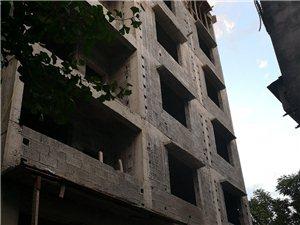黔龙国际家居建材城边上3室2厅2卫20万元