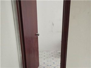三中小区1室 1厅 1卫6800元/月