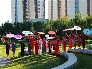 高邑文体女子舞蹈队向我们款款走来