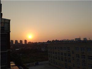 清晨的第一缕阳光
