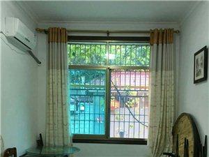 独家房源,有天有地的房5室 3厅 5卫186.8万元