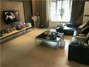 长江国际小高层4室 2厅 2卫82万元