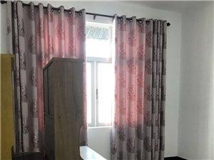 文明街东4室1厅3卫2500元/月