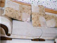 三个大型皮沙发,也可以分开卖,有需要的联系我