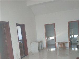 嘉园逸居,顶层2室2厅,免交物业取暖费900元/月