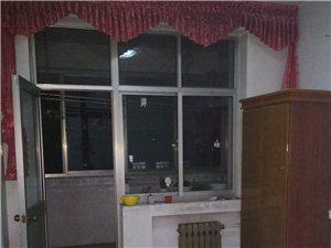 青年路地税家属院,3楼,三室,免物业费,1200
