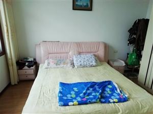 三中小区3室 1厅 1卫35.8万元
