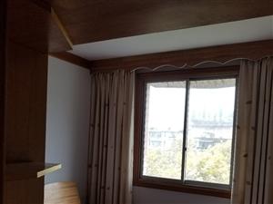 腾龙苑3室2厅2卫65万元