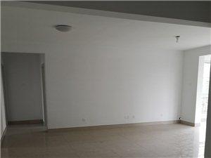 华泰帝景苑3室2厅2卫139万元