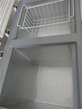全新双温冷冻冷藏,冰箱24小时耗电0.49度,长115宽65高80  买来才用半个月准备去广东所以转...