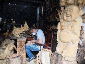 手艺人-木雕