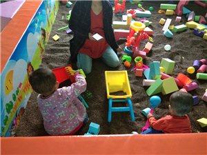 好消息!丽苑新城对面,昊翰文化商业街二楼新开儿童乐园,星期一到星期五票价5元,星期六到星期天票价15