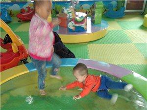 丽苑新城对面,昊翰文化商业街二楼新开儿童乐园。