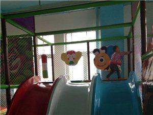 好消息!丽苑新城对面,昊翰文化商业街二楼新开儿童乐园!星期一到星期五票价5元,星期六到星期天票价原价